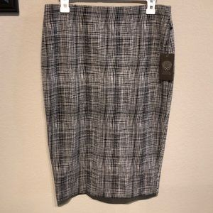 NWT Vince Camuto pencil skirt